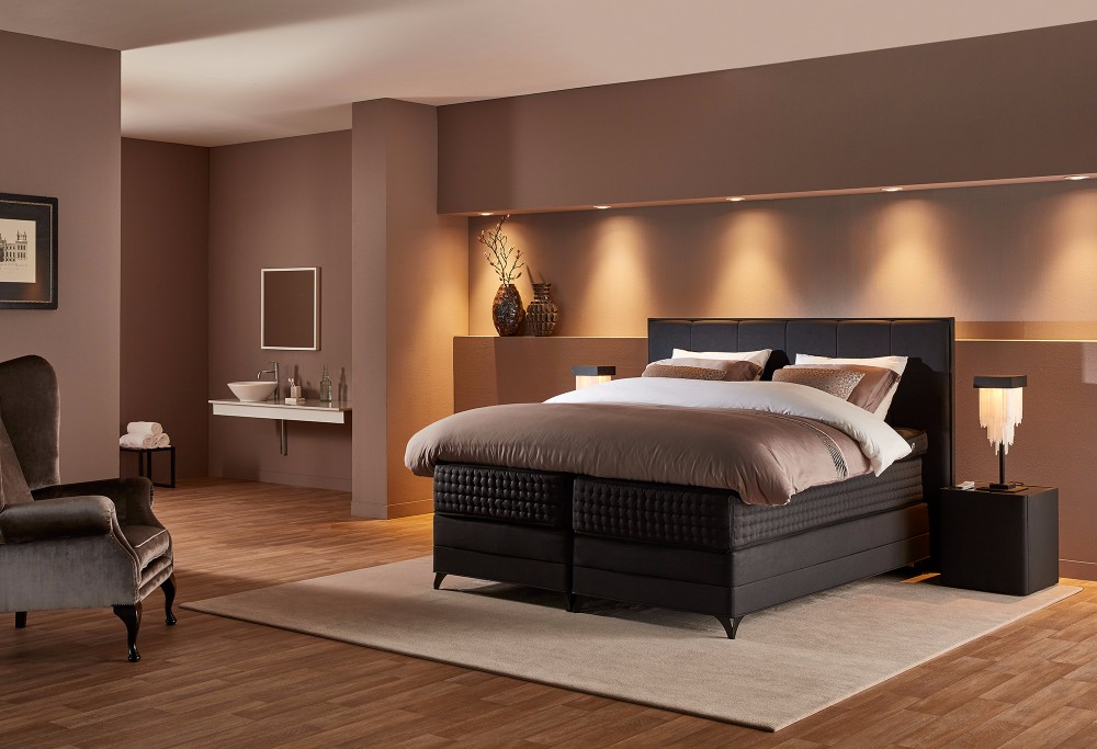 boxspringbett royal continental swiss sense. Black Bedroom Furniture Sets. Home Design Ideas